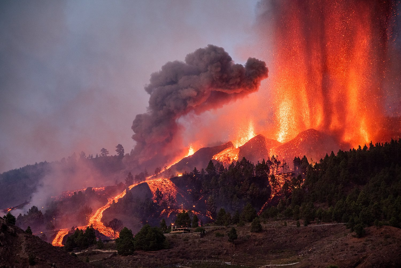 Volcán en Cumbre Vieja de La Palma – Directos y Archivo